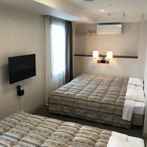 禁煙フォースルーム☆4名様まで宿泊可能☆110cm幅ベッド4台☆25平米☆