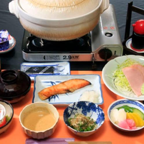 ≪朝食≫定番メニューと豚鍋