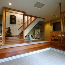 1階 玄関より