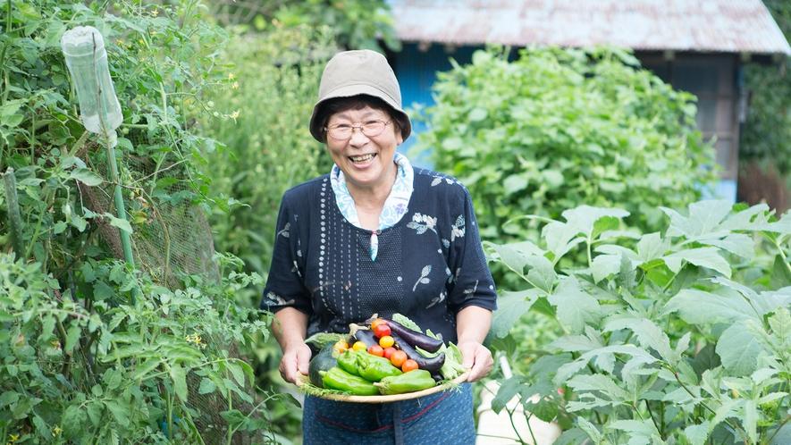 ・女将が自家製無農薬を育てていいます