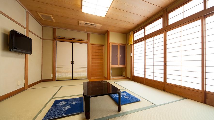 ・和室一例:畳の香り漂う落ち着いた佇まい