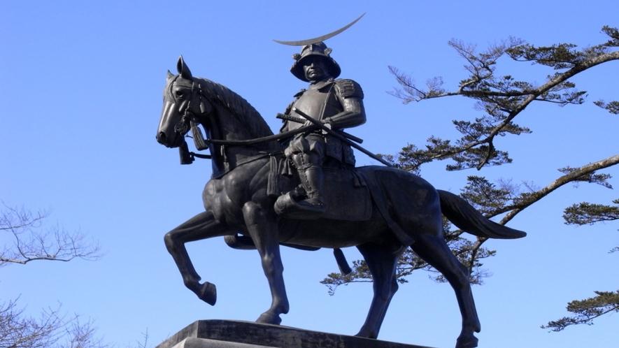初代仙台藩主 伊達政宗公の騎馬像