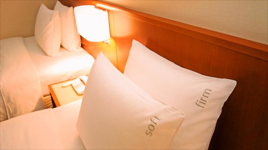 上質な睡眠には枕が必要不可欠。貸出枕をご用意しております!