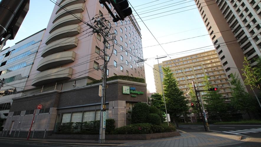 【アクセス】二つ目の信号の角にホテルがございます