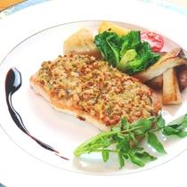 【夕食】メインディッシュの豚肉のバルサミコソース添えは先代のオーナーから引き継いだ思い出の味
