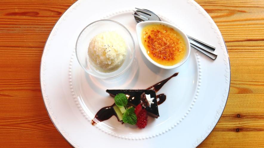 【夕食】3種類全部付いてくる贅沢なデザート盛り