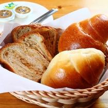 【朝食】地元で作られている天然酵母パン