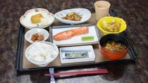 *朝食一例/和食の基本を守ったほっこりとした家庭料理
