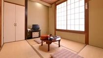 *本館和室6畳(客室一例)/一人旅やカップルでのご宿泊にオススメ。足を伸ばしてのんびりとお寛ぎ下さい