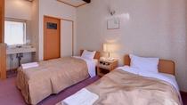 *ツイン(客室一例)/自然豊かな那須高原に佇む当館。朝はさわやかな陽光でお目覚め下さい