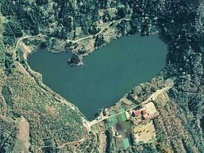 ハートの形をした北竜湖