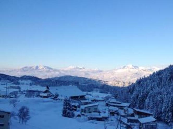 西側客室からの眺め(冬・北信五岳)
