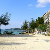 *ホテル前砂浜