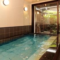 【母屋貸切風呂】 ご宿泊のお客様は無料でご利用いただけます。