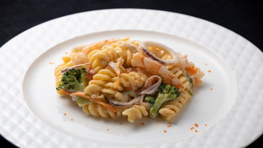 海鮮マカロニサラダ