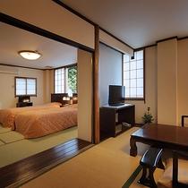 【山側客室】静けさを大切にした二間続きの和洋室
