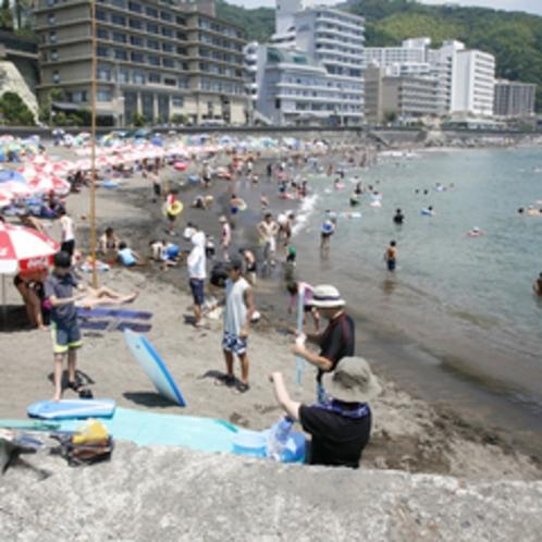 *熱川海水浴場(熱川YOU湯ビーチ)/当宿より車2〜3分、徒歩10分