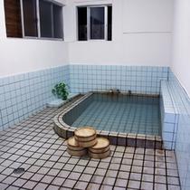 *【貸切風呂】24時間ご入浴可能ですので、お好きな時間にお好きなだけ温泉をお愉しみください
