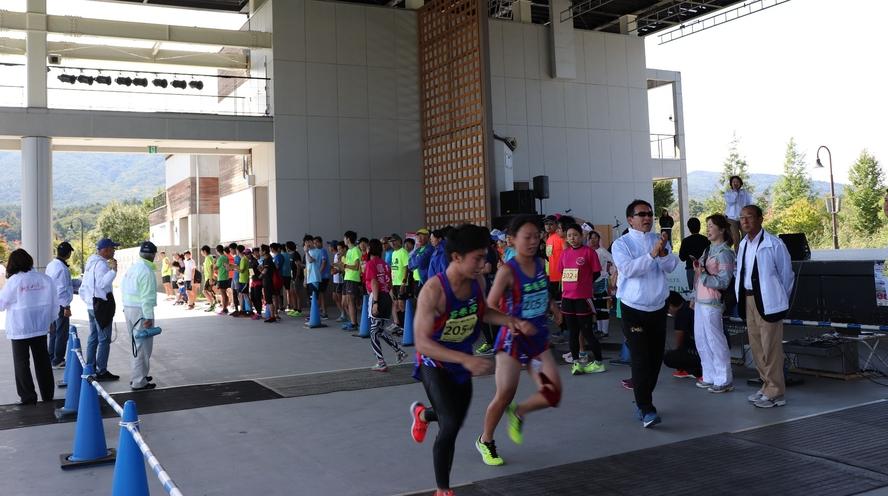 リレー方式のマラソン大会。