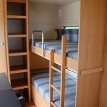 トレーラーハウス 2段ベッド
