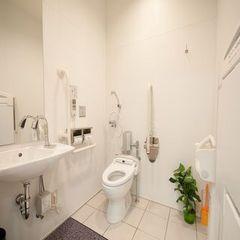 バリアフリールームのトイレ(1)
