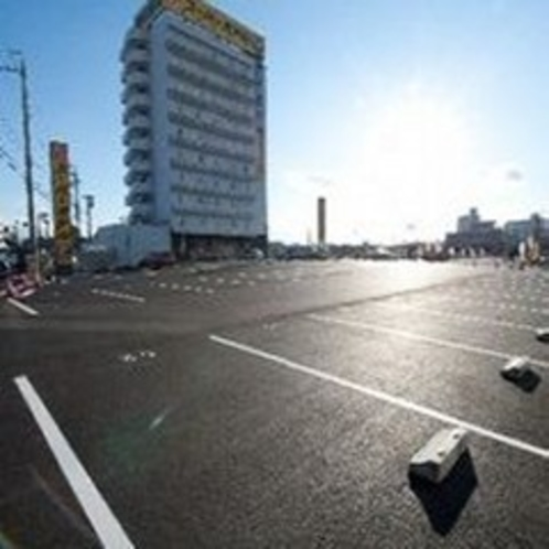 平面青空駐車場無料!大型バスも可能!!