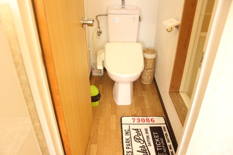 【定員3名部屋(205)】トイレ