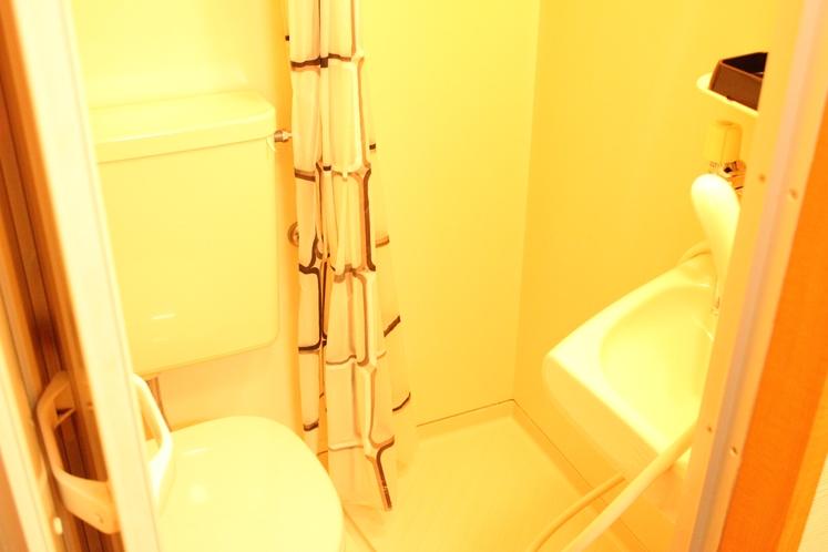 【定員3名部屋(203)】ユニットシャワー