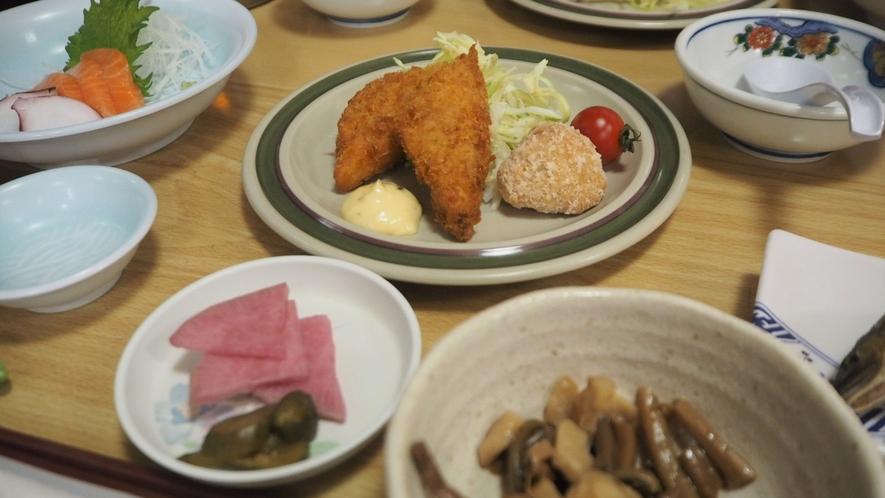 *夕食一例/尾瀬で採れた山菜などを使用、体に優しい食事をご用意しております