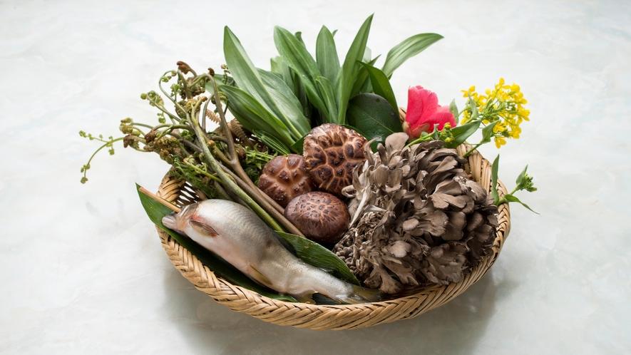 *旬の秋の味覚をふんだんに使ったお料理をご堪能下さい♪