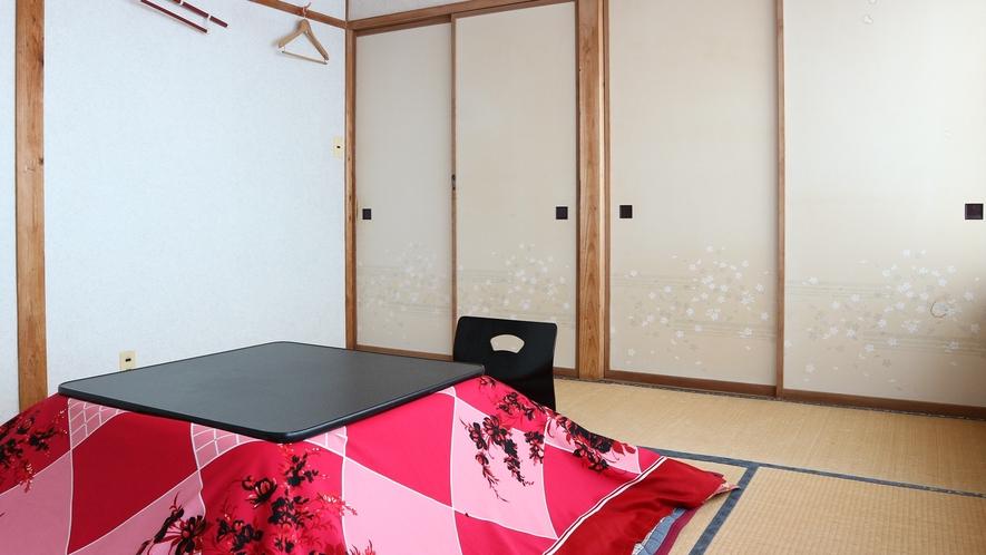 *和室8畳/冬はこたつでおくつろぎいただけます。