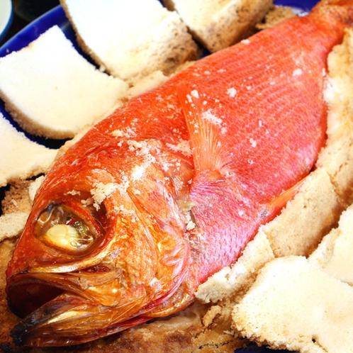 金目鯛の塩釜焼きはなかなか食べられないレアな一品!