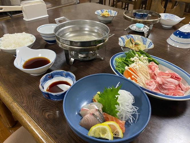 本日の夕食 滋賀県国産豚しゃぶしゃぶ、刺身盛り合わせ、筍と菜の花のお浸し