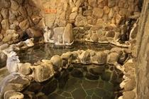 女湯「室岩風呂」