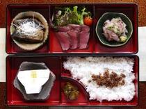 伊豆素材の優しい和食「桜田お重箱」