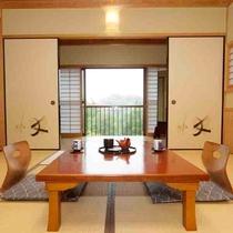 【和室8~12畳】 清涼な風が吹き抜けます。お部屋でのんびりとお過ごしください。