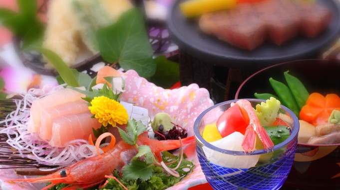 夏のイチオシ☆七尾湾を爽やかにクルージング♪大人も子供にも嬉しい七尾食祭市場SEABIRD号乗船券付