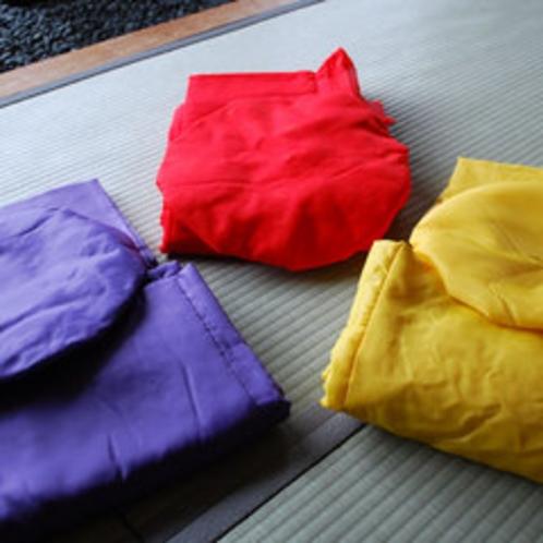 長寿祝のちゃんちゃんこ赤、紫、黄
