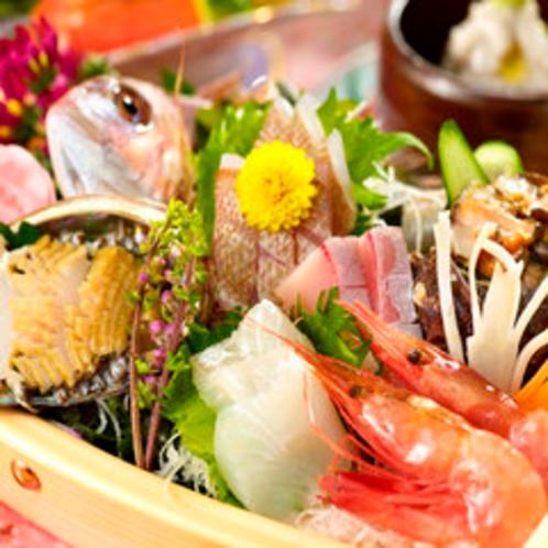 可愛いミニ舟盛り〜きときと海鮮丸