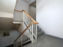 【本館】階段