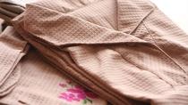 【パジャマ】素材にこだわったパジャマを用意。ご自分の家で寛ぐようにお過ごしください。