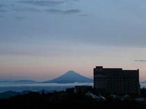 雲海の富士山