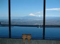 展望大浴場富士山