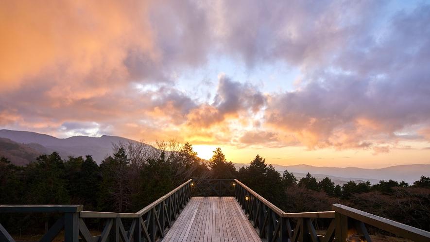 ☆【施設からの眺望】展望テラス/360度から見渡す富士山・天城山系の絶景をお楽しみくださいませ。