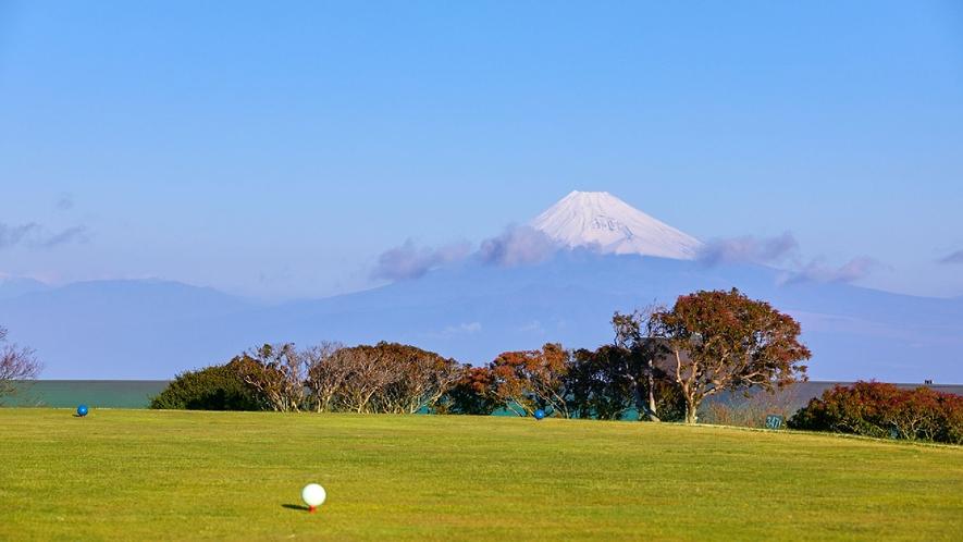 ☆【付帯施設】天城高原ゴルフコース/ホテルより車で10分!富士山を望みながらゴルフを愉しむ