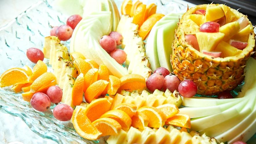 ☆【ディナーブッフェ】高原ディナーブッフェ。季節で替わる数々の料理を味わう(イメージ)