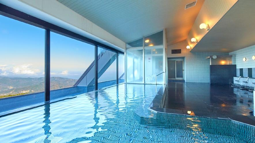 ☆【大浴場】上階にある大浴場からは富士山を望むことができます。夜景を見渡しながらの絶景を愉しむ。