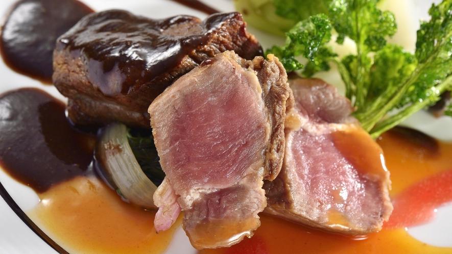 ☆【和洋折衷コース】季節の旬な食材を使用した自慢の和洋折衷コース料理を味わいください(料理一例)