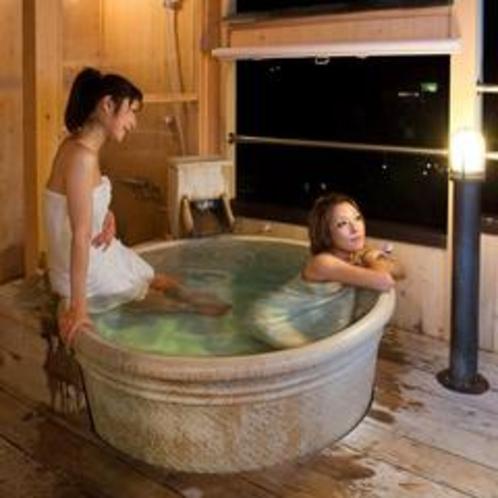 お部屋の露天風呂でのんびりと♪