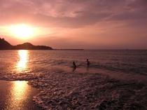 夕日が綺麗な夏の海